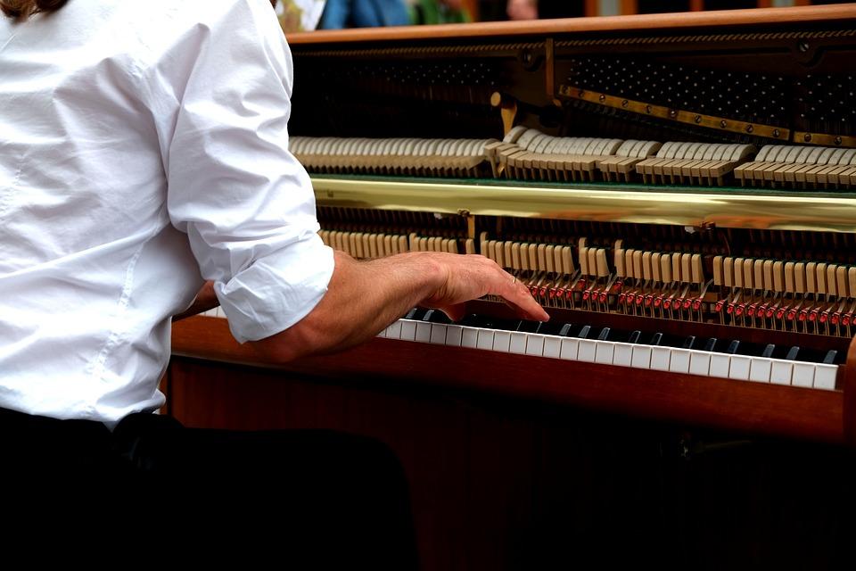 Des exercices techniques pour mieux apprendre le piano